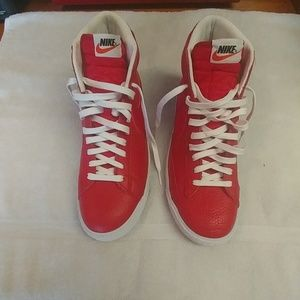 Men's Size 10 Nike high top leathers brand new